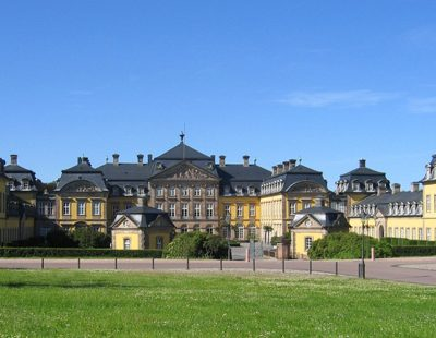 Herz und zentrale Spielstätte – das Barockschloss der Fürsten zu Waldeck und Pyrmont