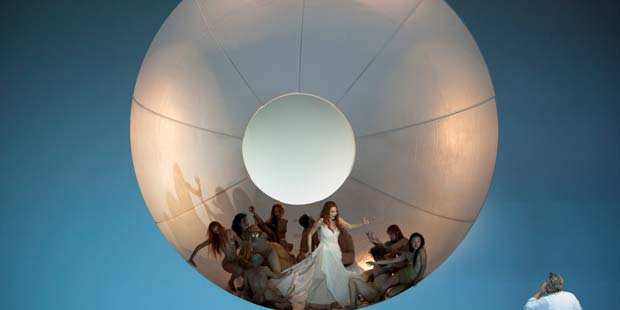 Marina Prudenskaya (Venus), Peter Seiffert (Tannhäuser) und TänzerInnen