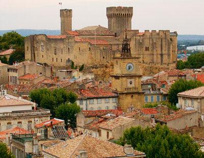Spielort: die mittelalterliche Burg von Salon-de-Provence