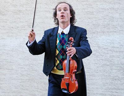 Auf sieben Opernbesuche kommt Olaf Schubert bislang - das sollte reichen für den richtigen Einsatz