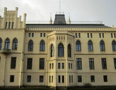 Schloss Evenburg im ostfriesischen Leer ist nur eine von zahlreichen Spielstätten