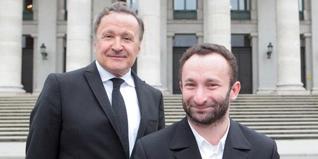 Intendant Nikolaus Bachler und Kirill Petrenko vor der Bayerischen Staatsoper