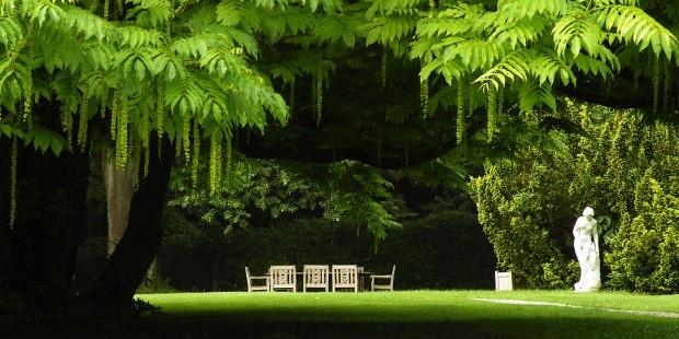 Im Schlosspark könnte auch Brahms bei seinem Besuch 1873 gesessen haben