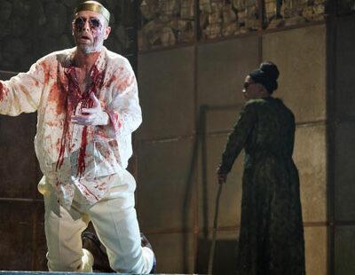 Oedipus (William Dazeley), Tiresias (Rolf Broman), Creon (Peter Hoare)