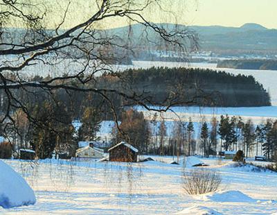 Malerische Winterfreuden: Blick auf den zugefrorenen Siljansee