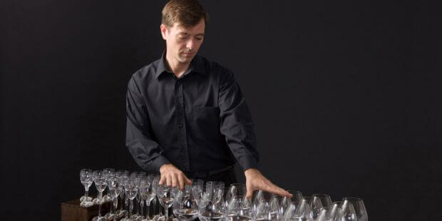 Robert Tiso an der Glasharfe