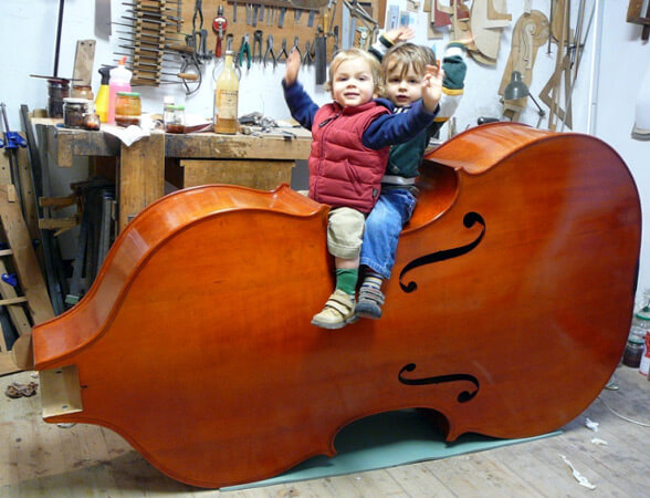 Oktobass des in der Werkstatt des Geigenbauers Pierre Bohr