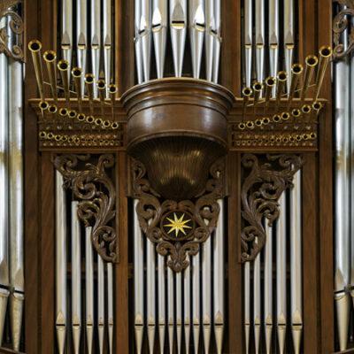 Orgelprospekt mit Zimbelstern
