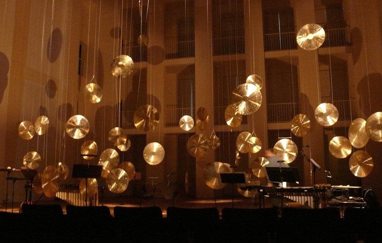 Tonlagen – Instrumentarium für das Konzert für 50 Windgongs und kleines Ensemble