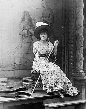 Sarah Bernhardt als Tosca 1887