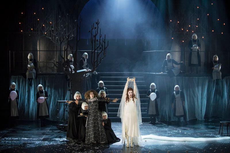 """Szene aus """"Fantasio"""" am Théâtre Génève"""