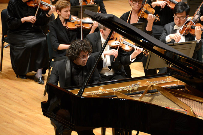Gina Bachauer International Piano Competition. Artem Yasynskyy, Preisträger des 3. Preises 2014