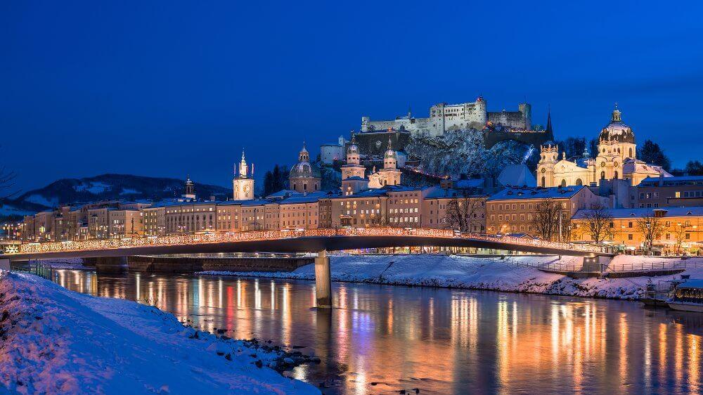 Blick auf die Salzburger Alstadt mit Festung