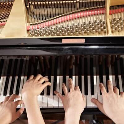 Symbolbild Klavier vierhändig