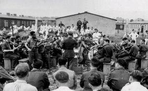 Konzert des Lager-Orchesters im-Stalag VIIIA