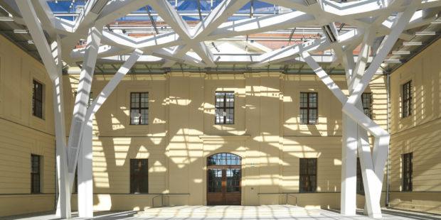 Glashof im Jüdischen Museum Berlin