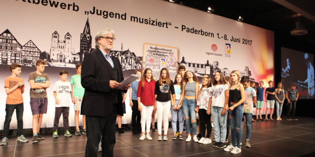 Jugend musiziert. Preisveleihung durch Edgar Auer