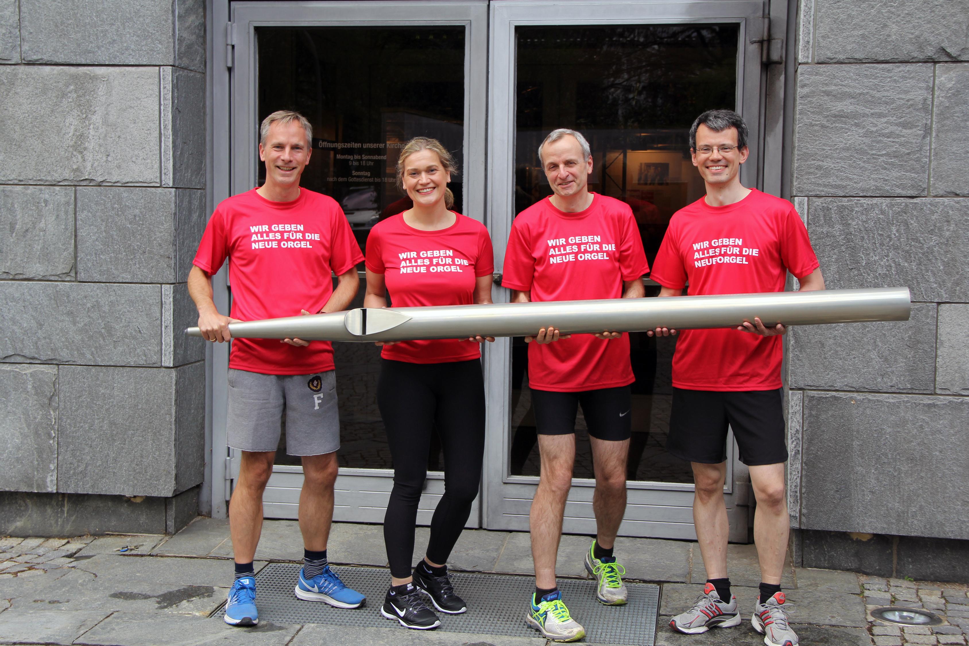 Marathon-Team für die Orgel der Hauptkirche St. Nikolai
