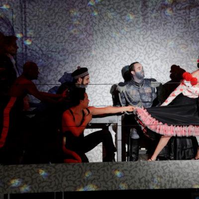 Wolfgang Stefan Schwaiger (Mary), Miroslav Stricevic (Obrist, Graf von Spannheim), Katerina Giannakopoulou (Andalusierin), Alexeider Abad Gonzalez (Tanzender Fähnrich)