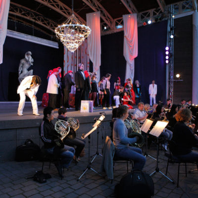"""Kammeroper Frankfurt im Palmengarten (hier eine Aufführung der """"Traviata"""")"""