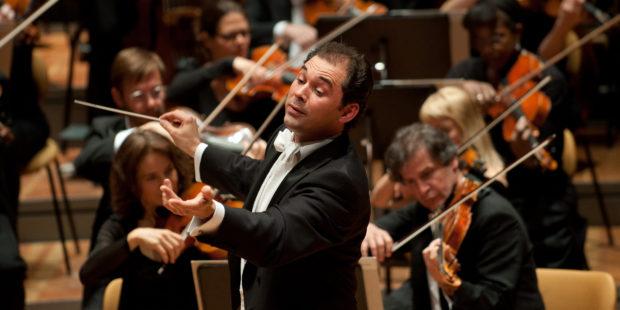 Tugan Sokhiev dirigiert das Deutsche Symphonie-Orchester Berlin