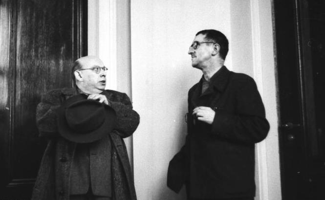 Hanns Eisler (l.) und Berthold Brecht
