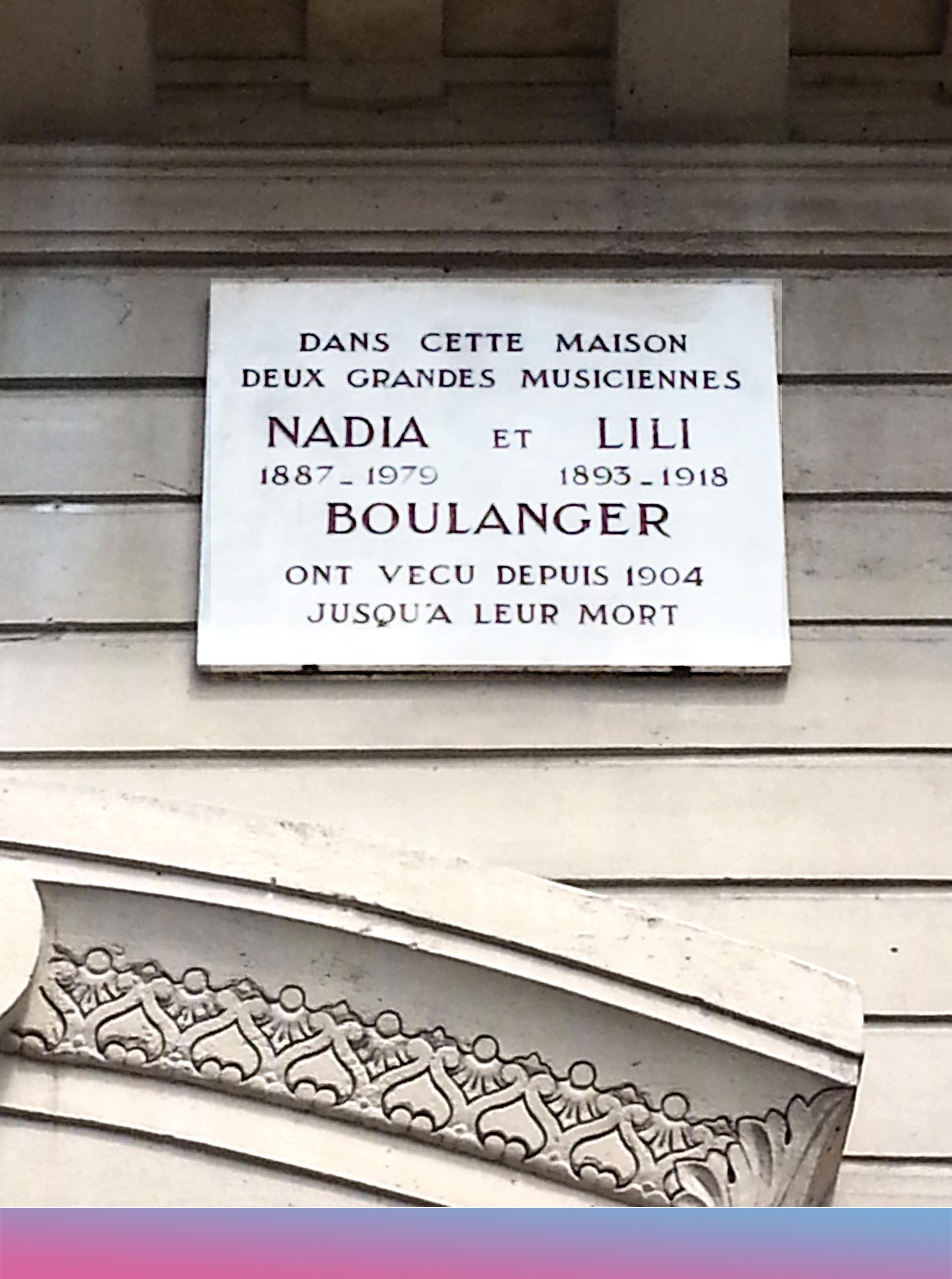 Gedenktafel für Nadia und Lili Boulanger an deren ehemaligem Wohnhaus in der Rue Ballu Nr. 36 in Paris © TCY/Wikimedia Commons
