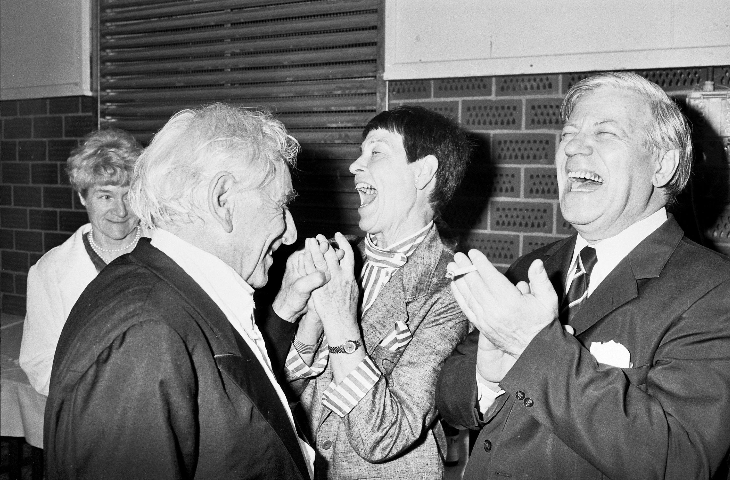 Leonard Bernstein mit Helmut und Loki Schmidt, 1987