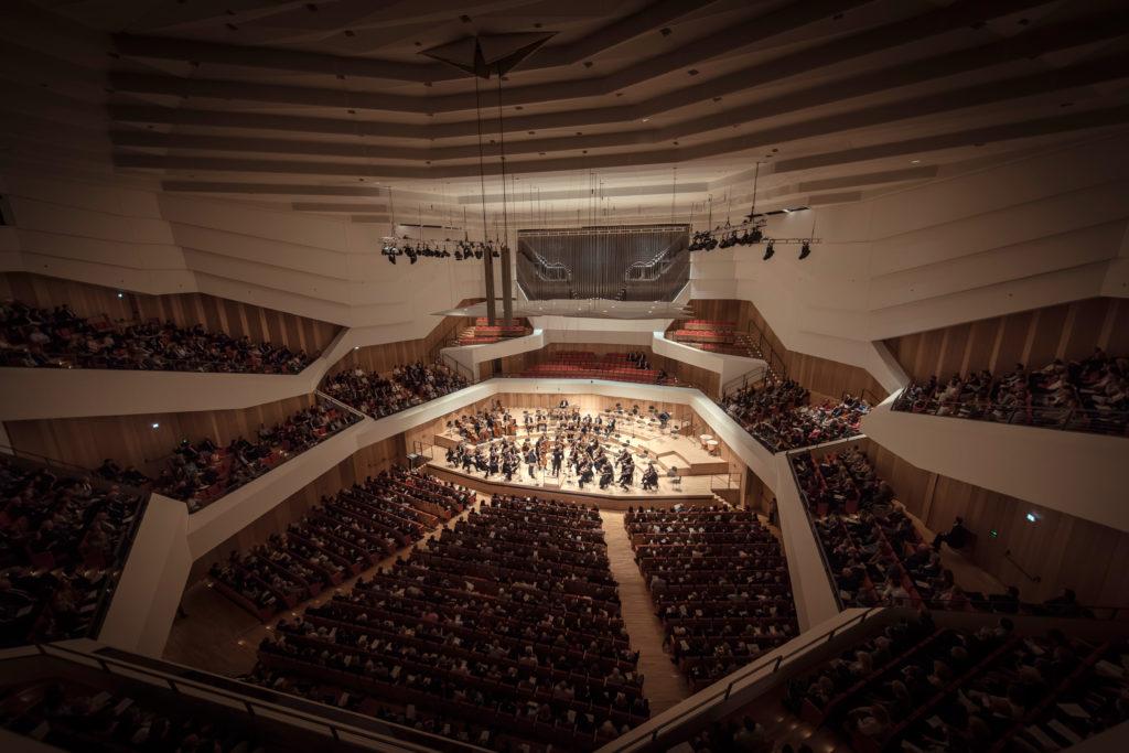 Die Dresdner Philharmonie im Konzertsaal des Kulturpalasts Dresden
