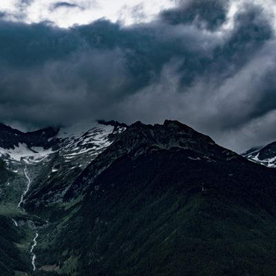 """Symbolbild zur """"Alpensinfonie"""" von Richard Strauss: Unwetter in den Alpen"""