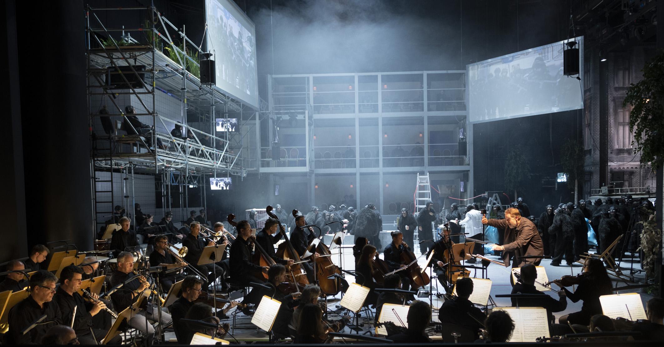 Christopher Sprenger, Staatskapelle Halle, Chor und Extrachor der Oper Halle, Statisterie der Oper Halle
