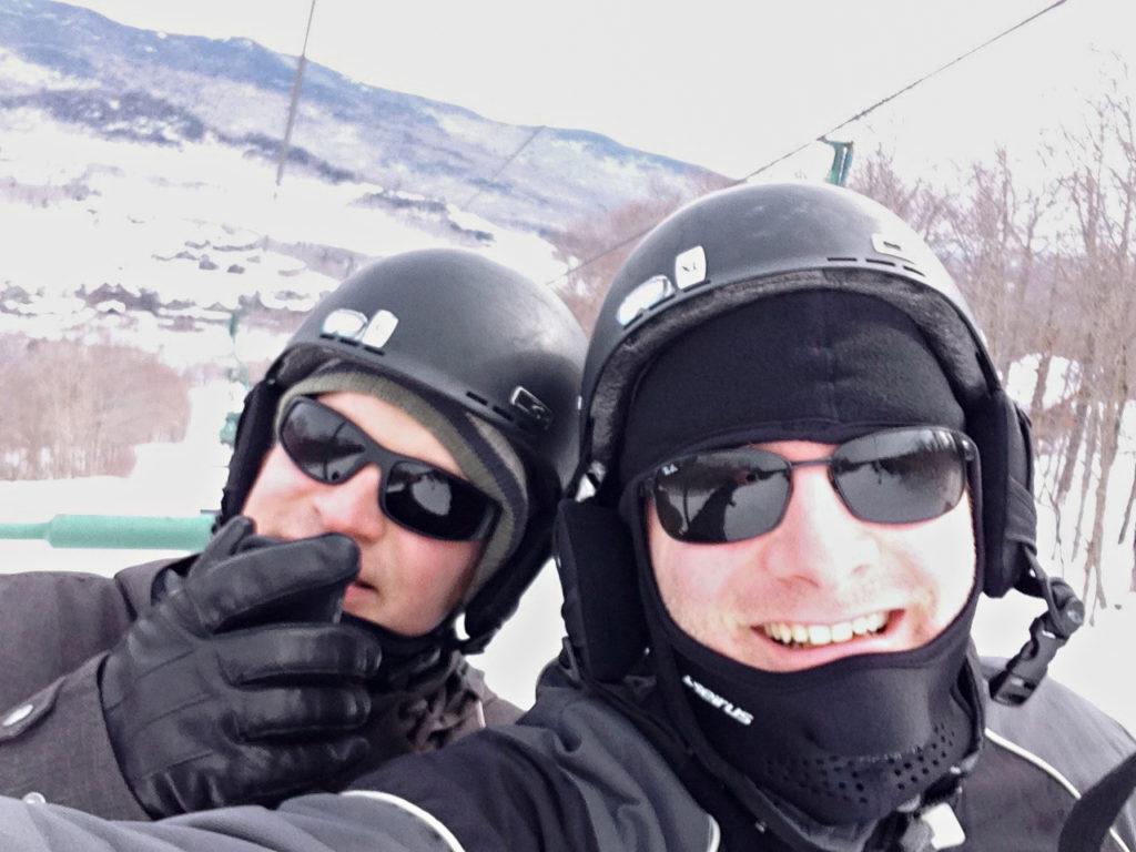 Mitglieder des Fauré Quartetts beim Skifahren
