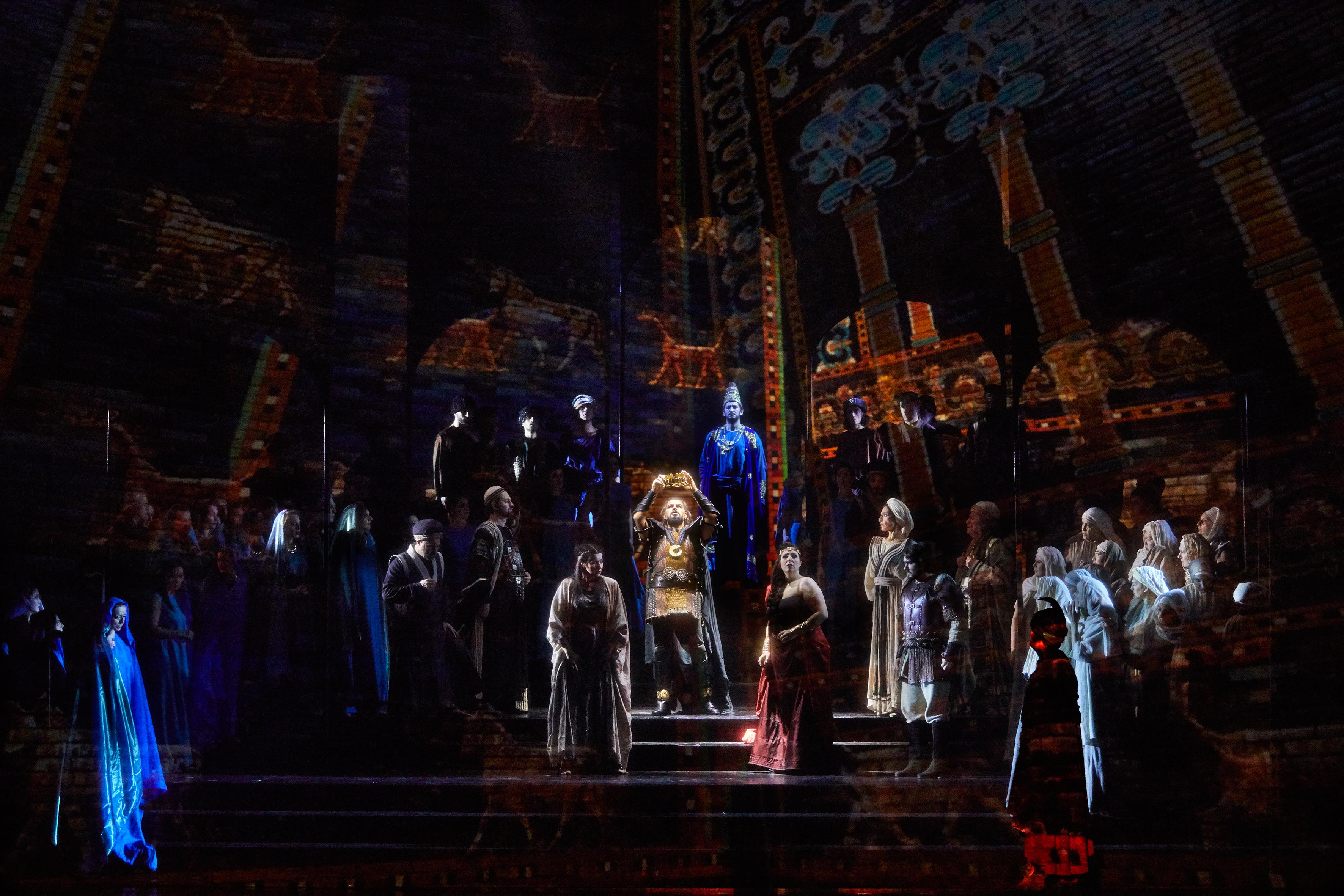 """Szenenbild aus """"Nabucco"""""""