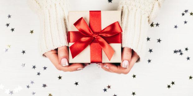 Symbolbild Weihnachtsgeschenk