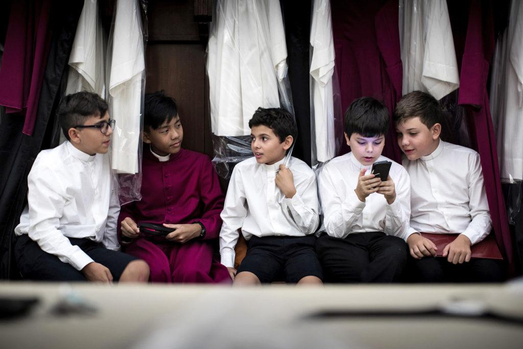 Dem Päpstlichen Chor der Sixtinischen Kapelle gehören etwa 35 junge Sänger an