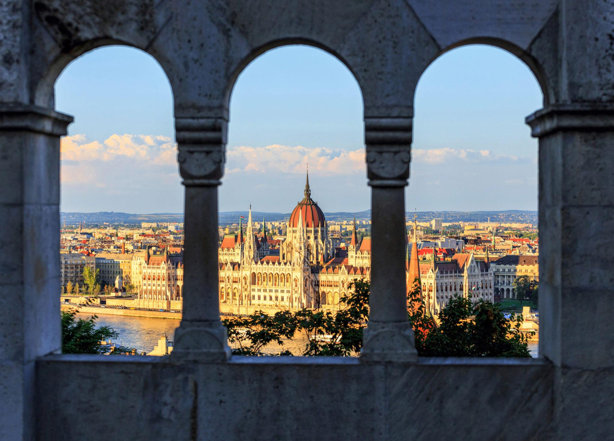 Budapest, Blick auf Stadt und den Regierungssitz
