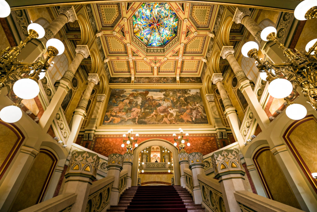 Budapest, Treppenhaus des Konzertsaals Vigadó