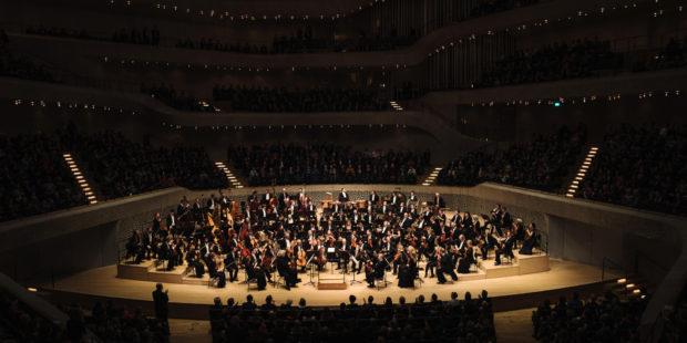 Die Münchner Philharmoniker bei einem Konzert in der Elbphilharmonie