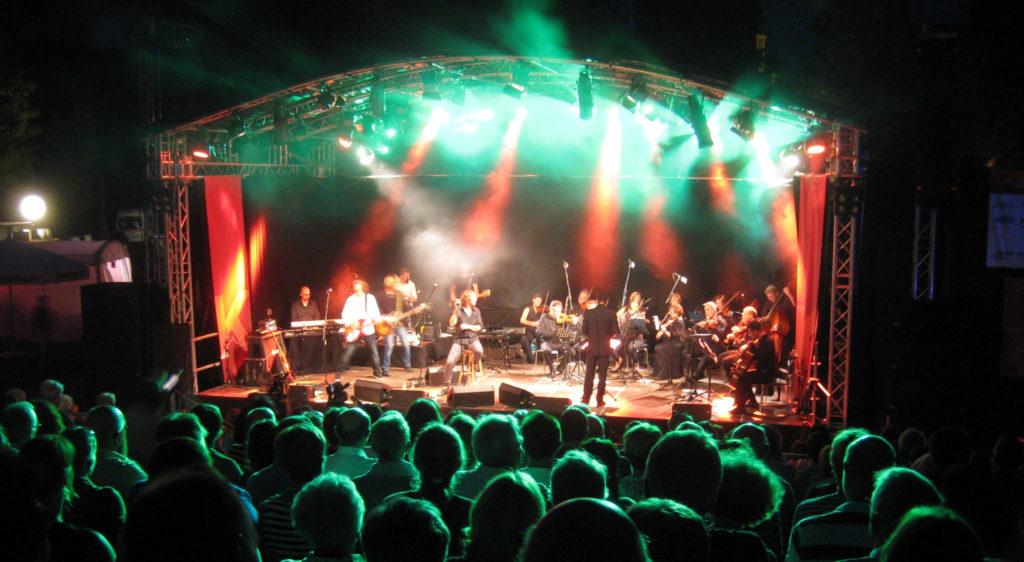 """Konzert des Südwestdeutschen Kammerorchesters mit der Band """"Fools Garden"""" beim Vaihinger Kultursommer"""