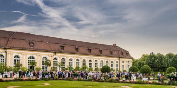 Konzertpause vor der Orangerie Ansbach