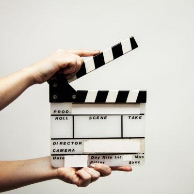 Die Filmklappe darf am Set nicht fehlen