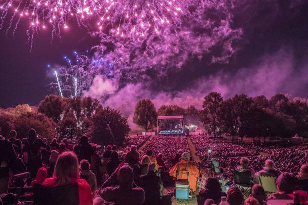 Feuerblumen und Klassik Open-Air im Britzer Garten
