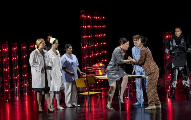 Nicole Chevalier (Elettra), Paula Murrihy (Idamante), Ying Fang (Ilia), Ensemble