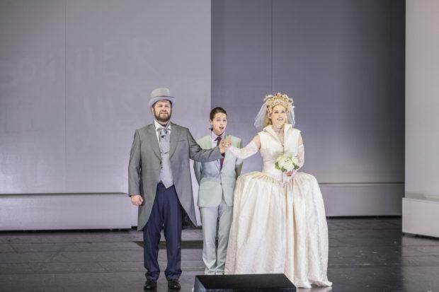 Tadeusz Szlenkier (Don Carlos), Emily Bradley (Thibault), Emily Newton (Elisabeth von Valois)