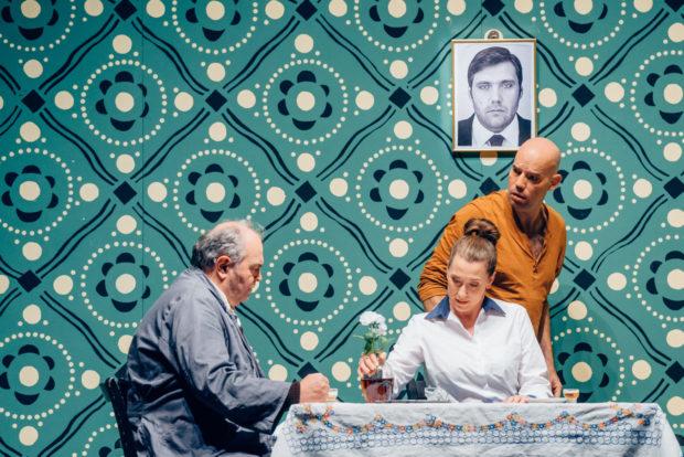 Lanzelot - Juri Batukov (Charlesmagne), Emily Hindrichs (Elsa) und Máté Solyom-Nagy (Lanzelot)