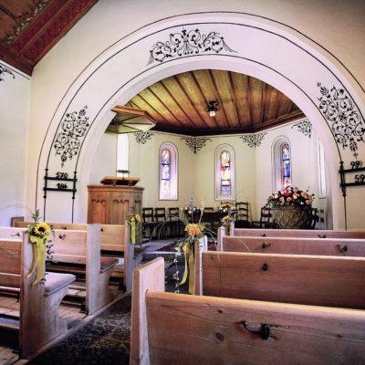 """Einer der drei Spielorte der """"Sommets"""": die Kapelle von Gstaad"""