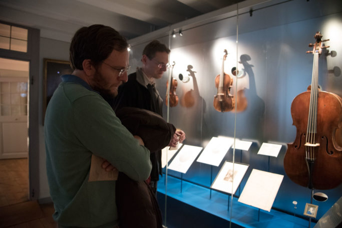 Instrumentenvitrinen im Beethoven-Haus