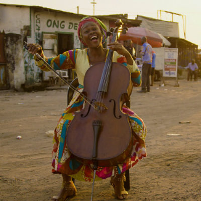 Cellistin Joséphine Nsimba in Kinshasa
