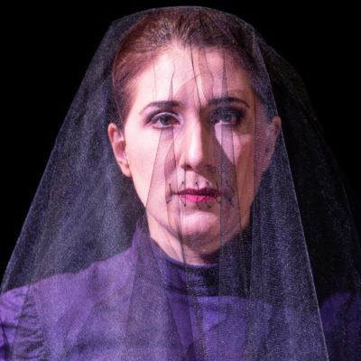 Lockt Äneas nach Karthago: Seherin Kassandra (Tatia Jibladze)