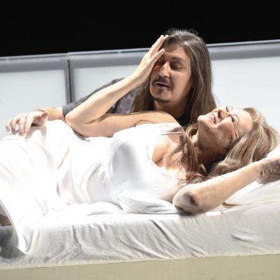 Daniel Frank (Siegfried) und Kelly Cae Hogan (Brünnhilde)